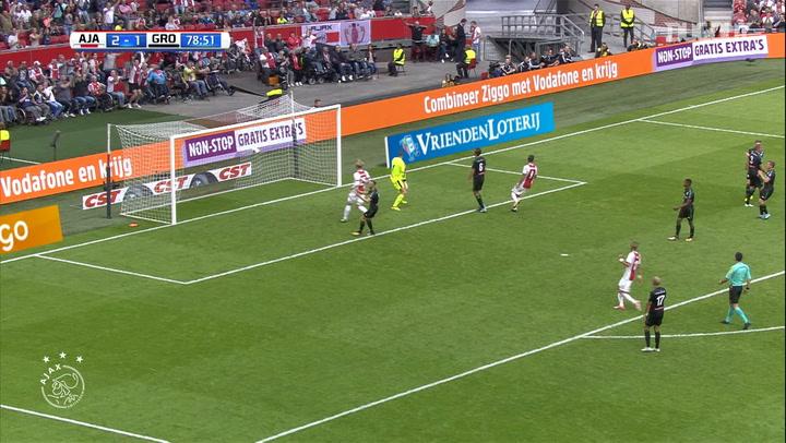 Lasse Schöne's powerful hit against FC Groningen
