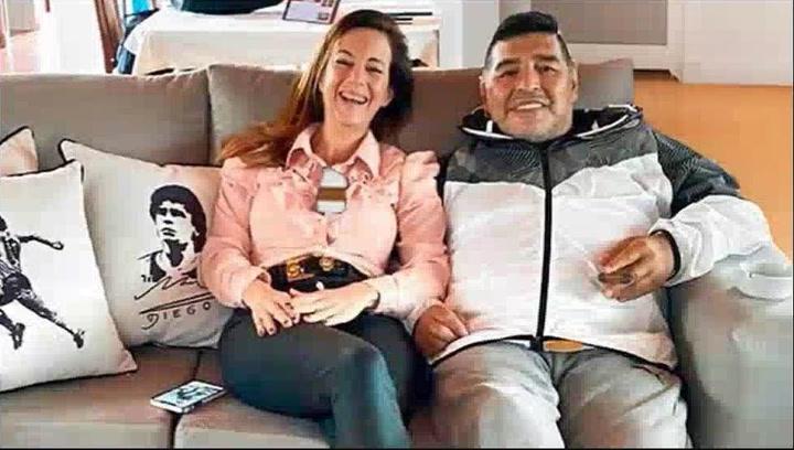 """Jazmín Garbini, la última mujer que trató de conquistar Maradona: """"Se había obsesionado"""""""