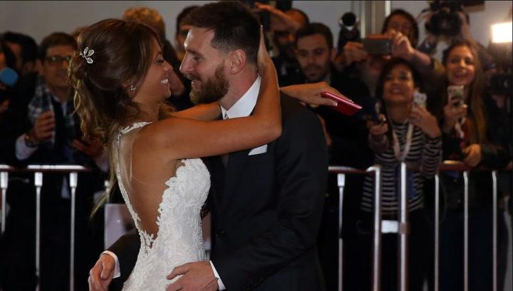 Así fue el beso de Messi y Antonela Roccuzzo el día de su boda