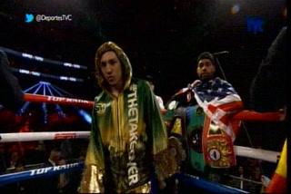¡Arrancó la pelea entre Teófimo López y Edis Tatli! Así el primer round