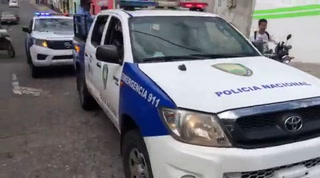 Escoltados por patrullas llegan árbitros al Nacional de Tegucigalpa