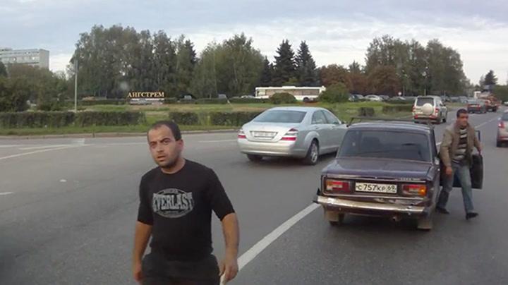 Alexei Volkov er bussjåføren du ikke vil møte