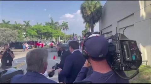 Gobernador de Florida restringe voto por correo cortejando a los seguidores de Trump