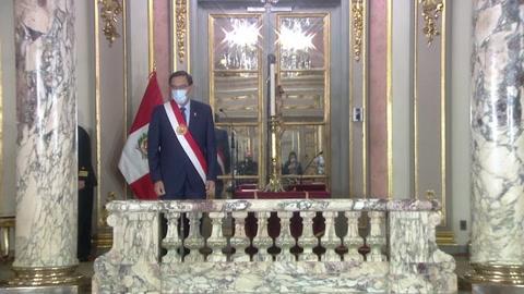 Presidente de Perú cambia a la mayoría de su gabinete, incluido el ministro de Salud