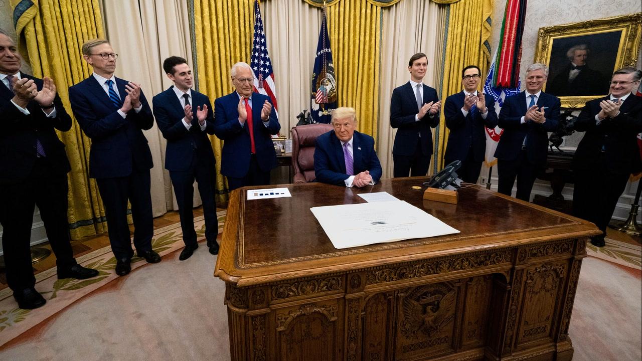 <em>L'ABC de la politique américaine #13</em>: le Bureau ovale et son <em>Resolute Desk</em> [VIDÉO]