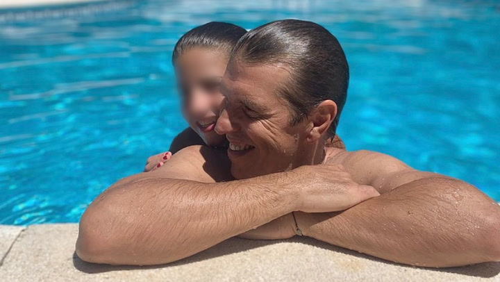 Manuel Díaz \'el cordobés\' se divierte bailando salsa con su hija Triana