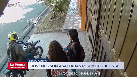 Jóvenes son asaltadas por motociclista en Tegucigalpa
