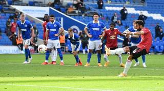 Manchester United sufre para lograr su primera victoria en la Premier League ante Brighton