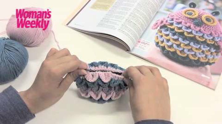 How to crochet crocodile stitch for feathers, scales or petals