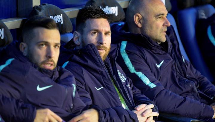 El gran gesto de Messi con un aficionado durante el partido contra el Alavés
