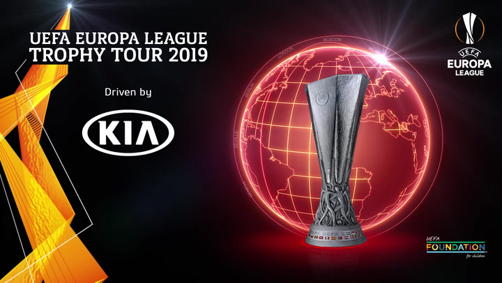 UEFA Europa League Trophy Tour 2019 | Paris | Kia
