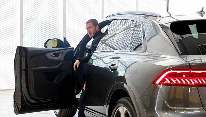 La plantilla del Madrid recibe sus Audis