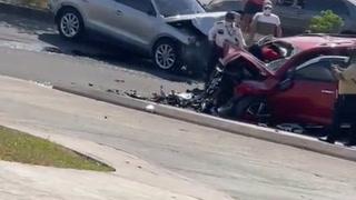 Accidente vehicular en el anillo periférico en las cercanías del desvío a la colonia La Era.