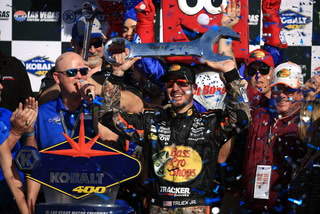 Martin Truex Jr. goes for two in a row in Las Vegas