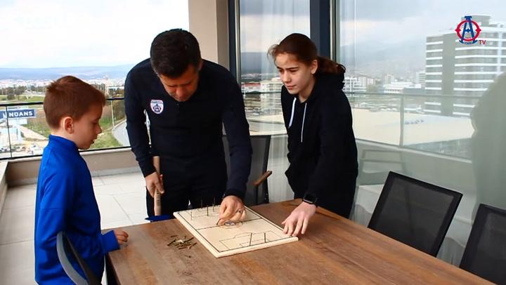 Teknik Direktör Hüseyin Eroğlu Çivili Tahta Oyunu Oynadı