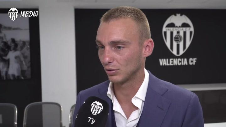 """Cillessen: """"El Valencia CF es un club especial, con una gran historia"""""""