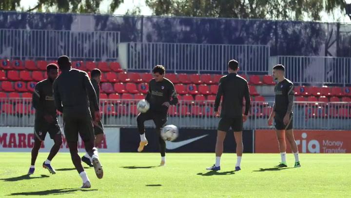 Entrenamiento del Atlético previo al partido contra el Barça
