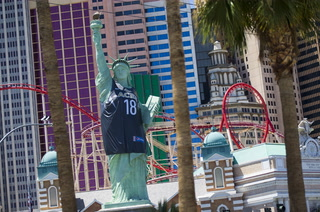 Statue of Liberty on Las Vegas Strip dons Aces jersey