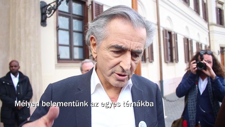 Bernard-Henri Lévy Orbán Viktorral kávézott