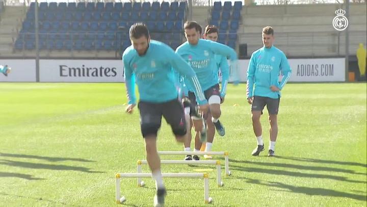 El equipo Real Madrid continúa preparando el partido contra el Valencia