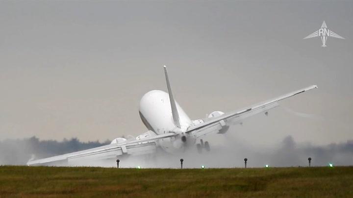 Dramatisk landing da flyet ble truffet av kraftig sidevind