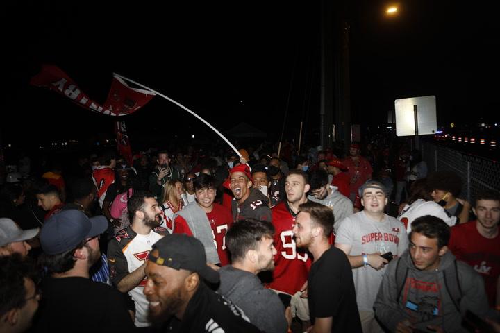 Polémica celebración de los aficionados de Tampa Bay