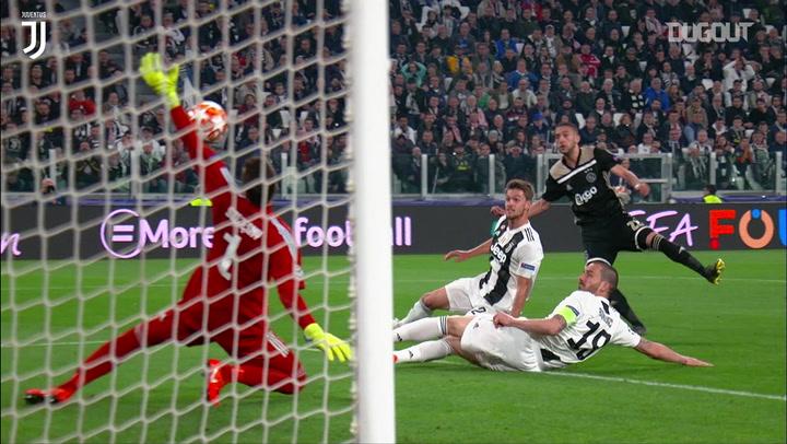 Wojciech Szczesny's Champions League quarter-final saves vs Ajax