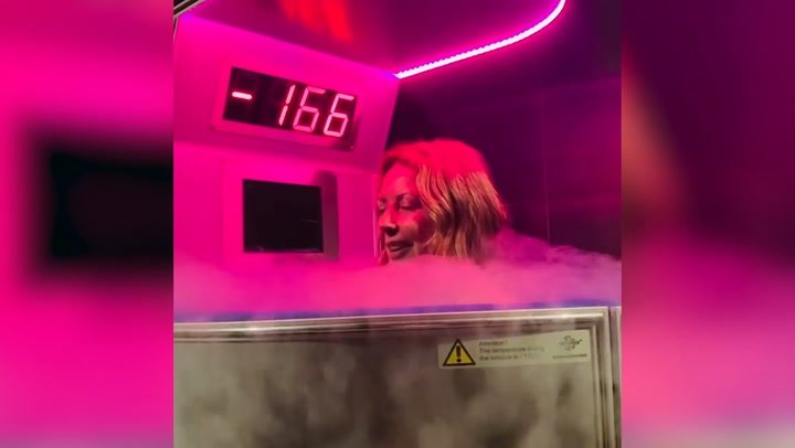 Carol Vorderman tries out Cryotherapy and shares her experience with fans