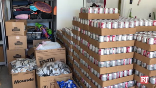 Allegiant Air employees deliver snacks and drinks to food pantry – VIDEO