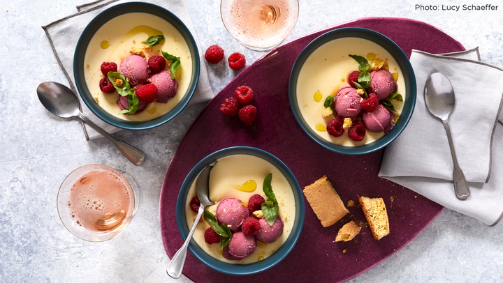 A Perfect Match: Panna Cotta with Sparkling Rosé
