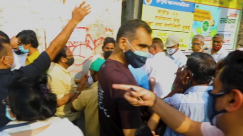Nuevo récord de contagios y muertes en India a la espera de