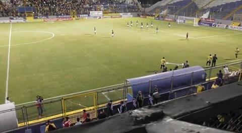 Captan agresión del portero Denovan Torres a recogepelotas