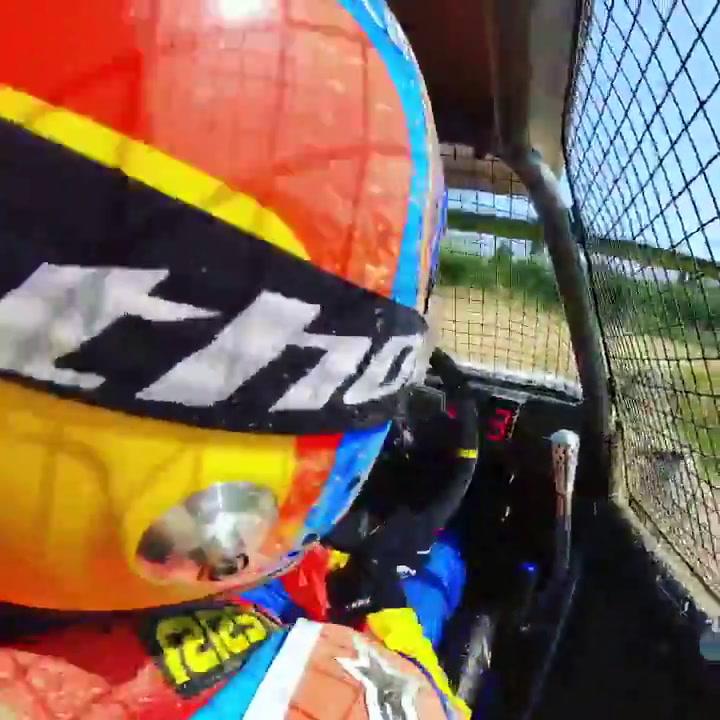 Fernando Alonso se entrena sobre tierra