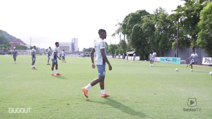 Santos encerra preparação para duelo contra o Bahia no Brasileirão