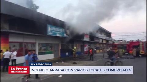 Incendio arrasa con varios locales comerciales en San Pedro Sula