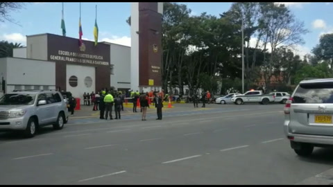 Al menos ocho muertos por un carro bomba en una Escuela de la Policía en Bogotá
