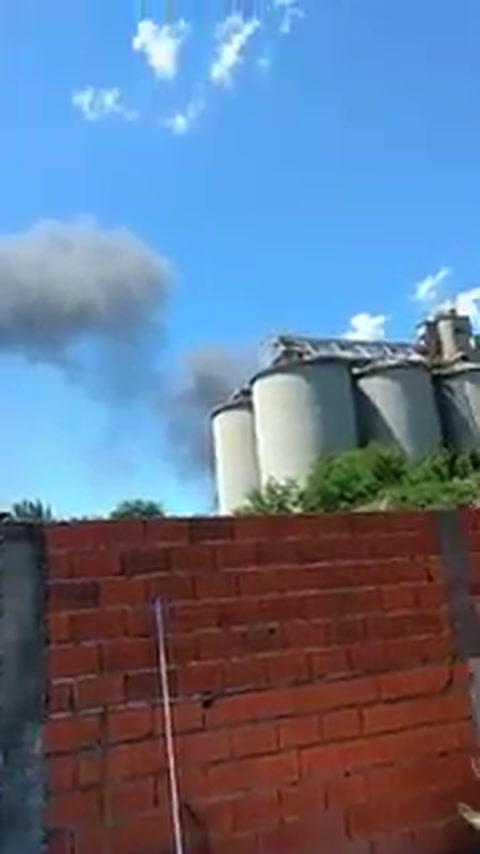 Alerta por un incendio en una cerealera del Cordón industrial