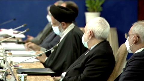 Irán celebra salida del