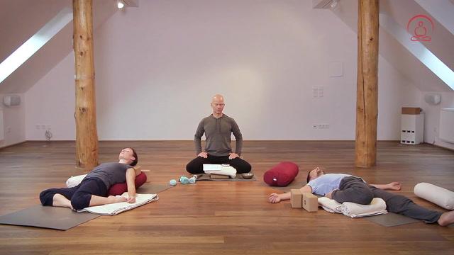 Yin Yoga der Stille