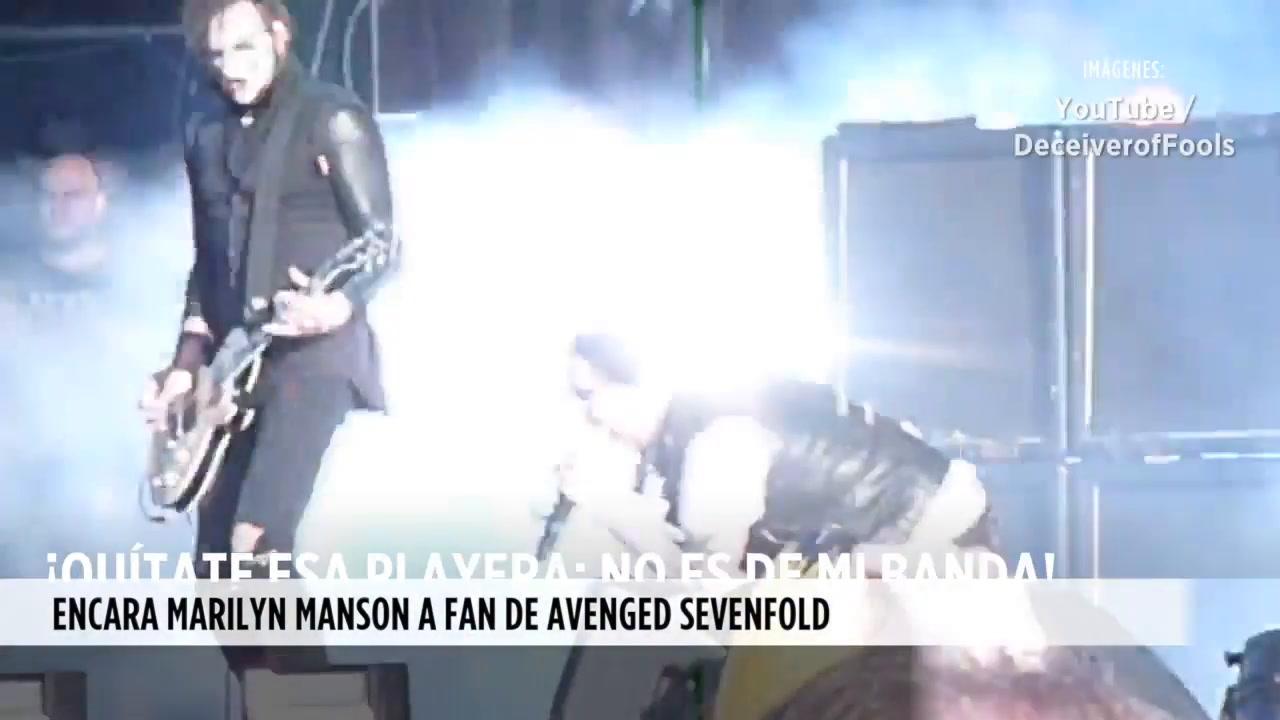 Video: 'Quítate esa playera', pide Marilyn Manson