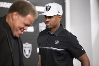 Vegas Nation: Raiders' Conley says he doesn't have shin splints