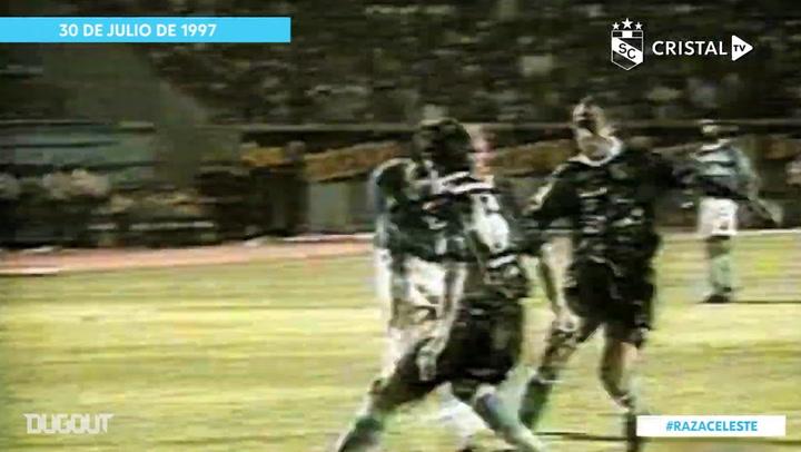 El golazo en solitario de Julio Rivera ante Racing en la Libertadores 1997