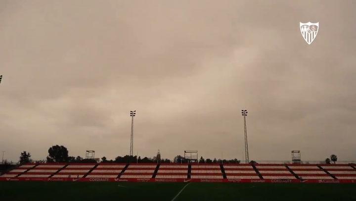 Ultimo entrenamiento y viaje del Sevilla a Pamplona