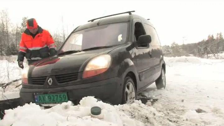 Hvordan få bilen løs fra snøen
