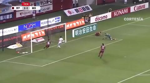 ¡Qué calidad! Iniesta se estrena en Japón con un golazo