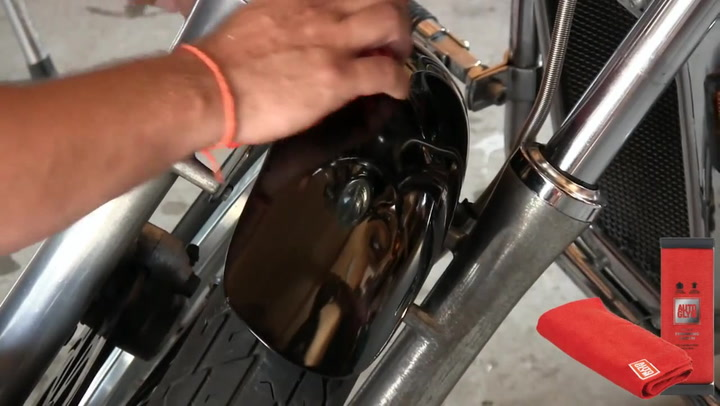 Hvordan reparere lakkskade på motorsykkel