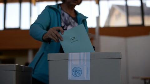Baviera vota en unas elecciones regionales proyectadas a Berlín