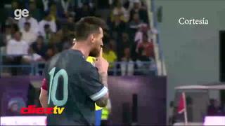 Cámaras de televisión capturan a Lionel Messi mandando a callar a Tite, técnico de Brasil