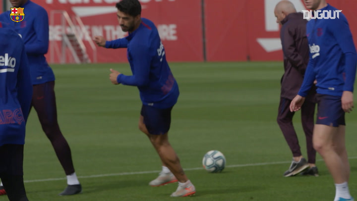 Luis Suárez returns to Barça training ahead of Valencia clash