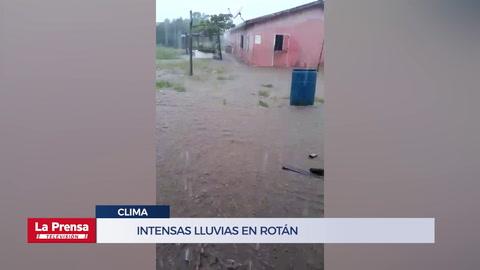 Intensas lluvias se registran en Roatán
